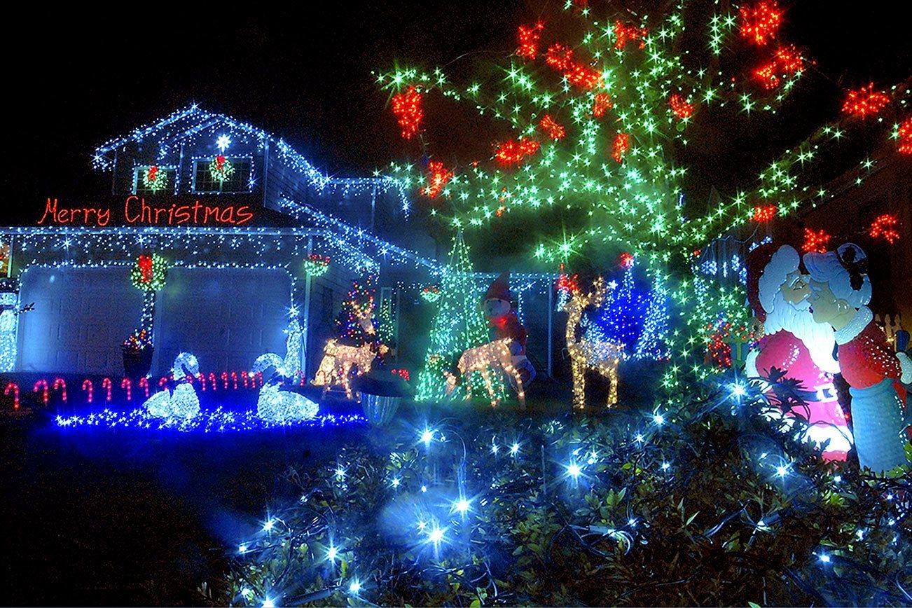 Seahawks Christmas Lights.Peninsula Lights Up For The Holidays Peninsula Daily News